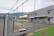 Auf diesem Areal in Seewen, wo bis September 2015 die Militärpolizei untergebracht war, soll das Bundeszentrum errichtet werden. (Bild Andreas Seeholzer)
