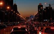 Peking ist überlastet. Eine neue Stadt soll Abhilfe schaffen. (Bild: Thomas Peter/Reuters (Peking, 8. Dezember 2016))