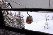 Für einmal wollten Gondel und Schnee nicht richtig harmonieren. (Bild Alexandra Wey/Neue LZ)