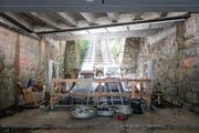Gemäss früheren Plänen sollte sie schon fahren. Aber die Gütschbahn ist immer noch Baustelle, wie das Bild vom Dienstag zeigt. (Bild: Roger Grütter / Neue LZ)