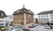 Der PUK-Bericht ist am Donnerstag im Rathaus in Schwyz vorgestellt worden. (Bild: Manuela Jans / Neue LZ)