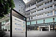 Im Schulhaus Landenberg des KV Luzern nahm sich der 58-jährige Lehrer und Dozent am Montagmorgen das Leben. (Bild Pius Amrein)