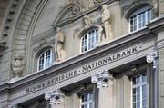 Gelder der Nationalbank sind im Budget von Schwyz nicht eingeplant. (Symbolbild / Keystone / Peter Klaunzer)