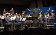 Die Musikgesellschaft steht erstmals unter der Leitung des Dirigenten Albert Burkard. (Bild: Christian H. Hildebrand (Hünenberg, 13. Januar 2018))
