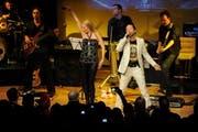 DJ Bobos 1000. Auftritt: Im Kursaal Engelberg tanzt und singt er gemeinsam mit seiner Frau Nancy. (Bild: Corinne Glanzmann/Neue OZ))