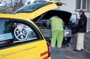 Der Autopannendienst des Touring Clubs Schweiz im Einsatz. Bild: Ennio Leanza/Keystone
