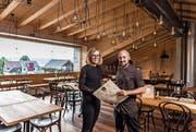 Sebastian Rensing und Katharina Käser freuen sich auf die neue Herausforderung im «Schenkoner OX'n». (Bild: Roger Grütter (20. September 2017))