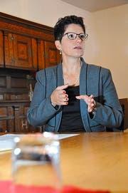 Die Obwaldner Finanzdirektorin Maya Büchi stellt das defizitäre Budget 2017 vor. (Bild: Christoph Riebli (Sarnen, 22. September 2016))