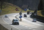 Autofahrer auf der Autostrasse A8 in Sarnen. (Bild: Corinne Glanzmann)
