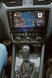 6-Gang-DSG und modernes Navigationssystem im RS. (Bild: Bruno Knellwolf)