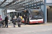 Bahnersatzbusse stehen auch ab kommendem Dienstag wieder für die Zentralbahn im Einsatz. (Bild: Matthias Piazza (Stans, 15. November 2016))