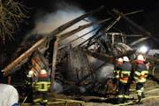 Die Scheune brannte bis auf die Grundmauern nieder. (Bild: Luzerner Polizei)
