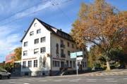 Geht am 16. September zu: Das Wirtshaus zum Eichhof an der Obergrundstrasse 106 in Luzern. (Bild: Dominik Weingartner (4. November 2015, Luzern))