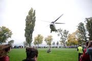 Ein Super Puma der Schweizer Luftwaffe landet auf der Lidowiese. (Bild: Manuela Jans- Koch)