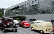 Eine der vielen Attraktion im Jahr 2009: Rund 50 Oldimer-Fahrzeuge kamen zum 50-Jahr-Jubiläum ins Verkehrshaus der Schweiz. (Bild André Häfliger/Neue LZ)