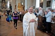 Pfarrer Beat Jung gestern bei seinem Abschiedsgottesdienst in der Hofkirche. (Bild Nadia Schärli)