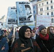 Im Februar kam es in Wien zu Protesten gegen ein Kopftuchverbot. (Bild: Omar Marques/Getty (4. Februar 2017))