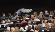 Auch das Publikum wird einbezogen. (Bild: Maria Schmid (Zug, 7. Oktober 2017))