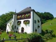 Das Schlösschen Beroldingen oberhalb Bauen. (Bild: Andreas Z'Graggen)
