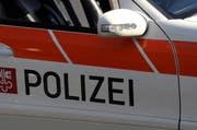 Streifenwagen der Kantonspolizei Nidwalden an einer Unfallstelle. (Symbolbild Adrian Venetz / Neue NZ)
