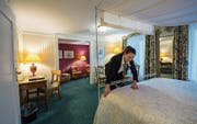 Ein Zimmer im Hotel Wilden Mann, das für Einheimische noch bis Ende Monat besonders günstig ist. (Bild: Dominik Wunderli (Luzern, 12. Januar 2018))