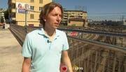 Musiker Gano auf der Langensandbrücke in Luzern. (Bild: Screenshot Trailer)
