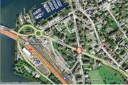 Die Kreuzung Stanser-/ Bahnhofstrasse (rot eingekreist) in Stansstad. (Bild: map.search.ch)