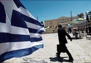 Der Syntagma-Platz vor dem Parlamentsgebäude in Athen. (Bild: EPA)