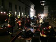 Wegen einem Glimmbrand stand die Feuerwehr Hochdorf am Karfreitagabend mit rund 50 Feuerwehrleuten von 1800 bis kurz vor Mitternacht bei einem Milchverarbeitungsbetrieb neben dem Bahnhof Hochdorf im Einsatz. (Bild: PD)