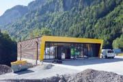 Shopgebäude zwischen Parkhaus und Talstation. (Bild: PD)