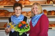 Preisträgerin Marlis Ruckstuhl, Pfaffnau (links) bei Gastgeberin Alexandra Schwizer, Bäckerei-Konditorei Schwizer, Pfaffnau. (Bild: Heiboss SA / Luzern)