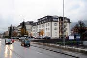 Die Altersheimbauten (hier das Altersheim Eigenwies) in Ibach müssen saniert werden. Die Gemeinde Schwyz möchte lieber einen Neubau. (Bild Erhard Gick/Neue SZ)