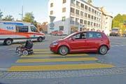 Die Unfallszenerie, nachdem die Sanität den verletzten Rollstuhlfahrer geborgen hat. (Bild: PD/Luzerner Polizei)