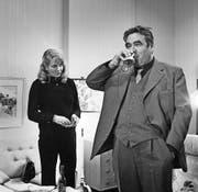 In den 1970er-Jahren trank Kommissar Paul Trimmel noch bei der Zeugenbefragung, ... (Bild: PD)