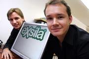 Die beiden Exsila-Gründer Rouven Küng (rechts) und Reto Bütler. (Archivbild Werner Schelbert/Neue ZZ)