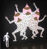 Gehäkelte Kunst: «Boygroup» von Jürg Benninger in der Galerie Vitrine. (Bild: bec)