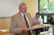Kirchenpräsident Werner Inderbitzin an einer Sitzung des Kantonskirchenrats. (Bild Bert Schnüriger)
