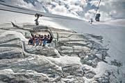 Die Touristenattraktion ist bedroht: Auch auf dem Titlisgletscher schmilzt das Eis. (Bild: Pius Amrein)
