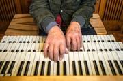 Am Lucerne Festival am Piano wird auch tüchtig in die Orgeltasten gegriffen. (Bild: Archiv Neue LZ)