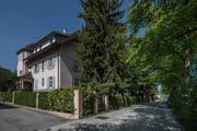 Die Villa Casa d'Italia an der Obergrundstrasse 92, fotografiert von der Taubenhausstrasse her. (Bild: Pius Amrein (Luzern, 12. April 2017))