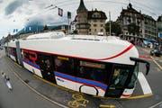 Dieser Bus soll künftig auch auf den Linien 2, 8 und 12 sowie auf Durchmesserlinien zum Einsatz kommen. (Bild: Archiv Roger Grütter)