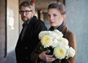 Nadine Camenisch (Anna Schinz) und Jonas Sauber (Sebastian Krähenbühl) begleiten Menschen für Transitus in den Tod. (Bild: PD/SRF/Daniel Winkler)