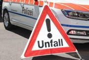 Die Zuger Polizei ist bei einem Unfall vor Ort. (Symbolbild) (Bild: Zuger Polizei)