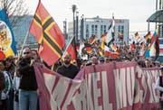 Anti-Merkel-Demonstration in Berlin: Die Abgehängten bildeten das Reservoir der Populisten, sagt Uwe Jean Heuser.