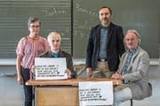 Enttäuschung bei den Machern hinter der Fremdsprachen-Initiative (von links): Barbara Lang (SVP, Hellbühl), Xaver Vogel (Kampagnenleiter), Bernhard Steiner (SVP, Entlebuch) und Kaspar Bättig (Lehrerverband) . (Bild: Nadia Schärli (Menzberg, 24. September 2017))