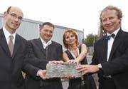 Maggie Imfeld: Hat zusammen mit Ferdinand Maeder, Reto Ambauen und Thomas Büchler (von links) das neue Pavillon möglich gemacht. (Bild Philipp Schmidli/Neue LZ)
