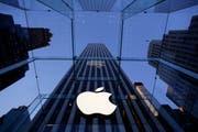 Apple-Store in New York. (Bild: MARK LENNIHAN (AP) / Keystone)