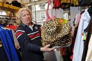 Der Geschäftsführer Peter Meyer gibt seinen «Fasnachts-Bazar» an der Bireggstrasse nach 30 Jahren ab. (Bild: Remo Nägeli / Neue LZ)