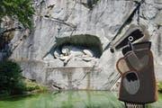 Der Dachs ist das Maskottchen der Detektiv-Trails. Hier steht er vor dem Löwendenkmal in Luzern. (Bild: pd)