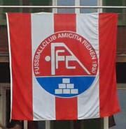 Die Fahne stammt vom Fussballclub Amicitia Riehen 1930. (Bild Kantonspolizei Obwalden)